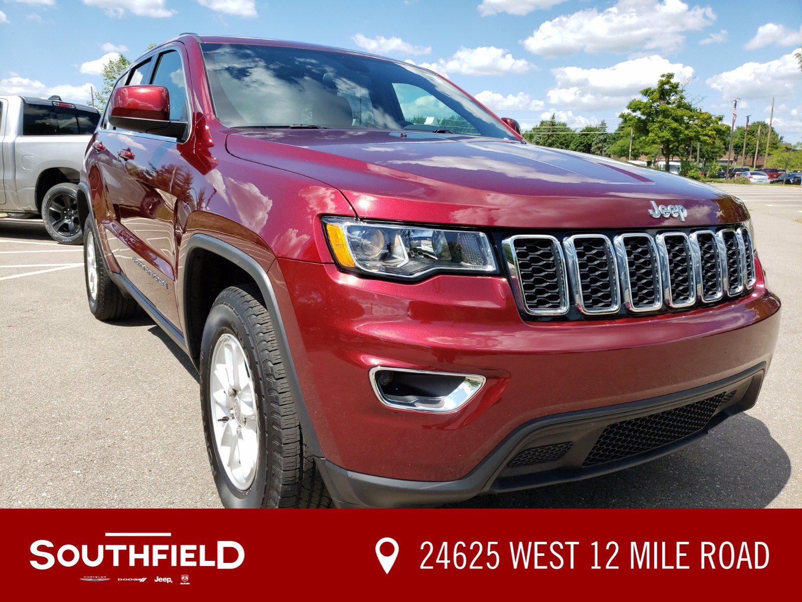 Pre-Owned 2018 Jeep Grand Cherokee Laredo E