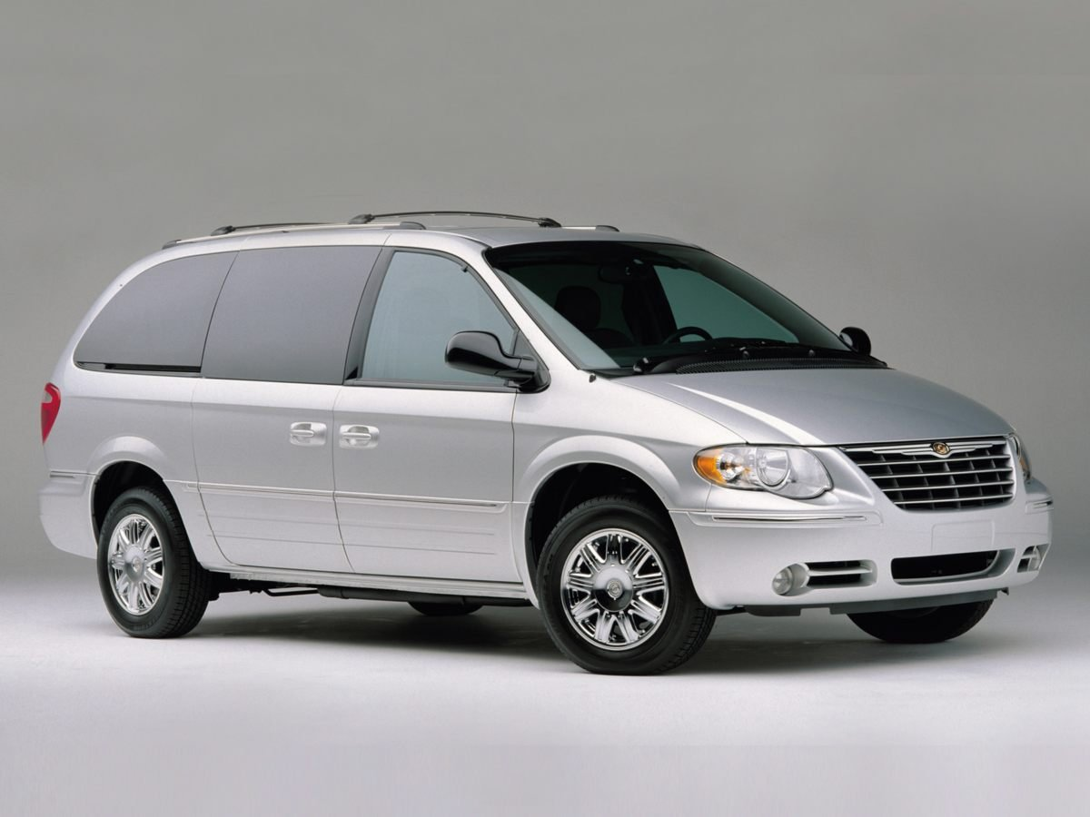 Pre-Owned 2007 Chrysler Town & Country LWB Touring